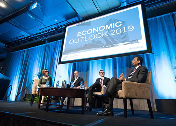 Economic Outlook 2019: Chicago panel from left: Kathleen Hays, Austan Goolsbee, Randall Kroszner and Raghuram Rajan